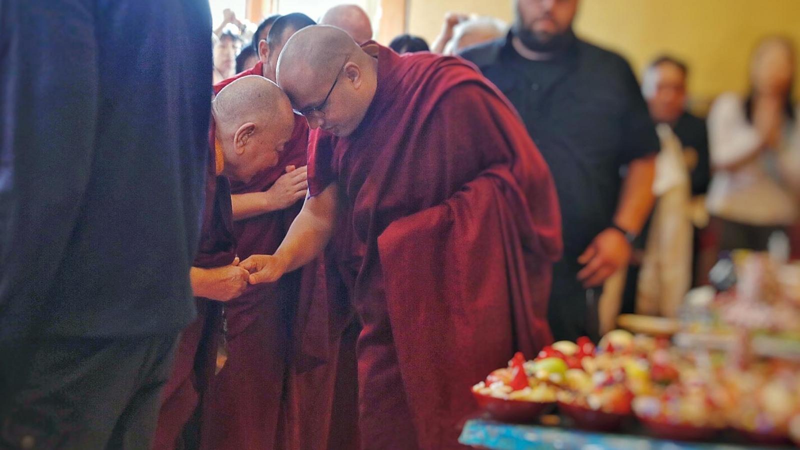 Karmapa with Khenpo Kathar