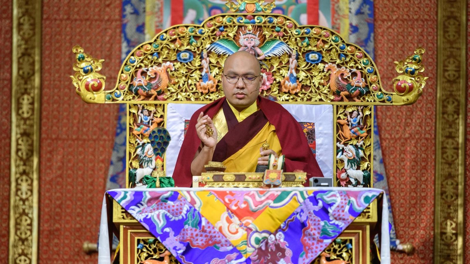 Karmapa giving the Vajrasattva empowerment