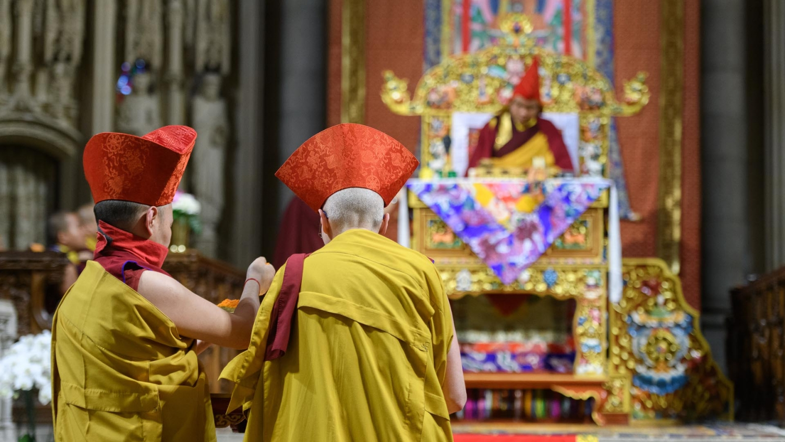Mandala offering to Karmapa