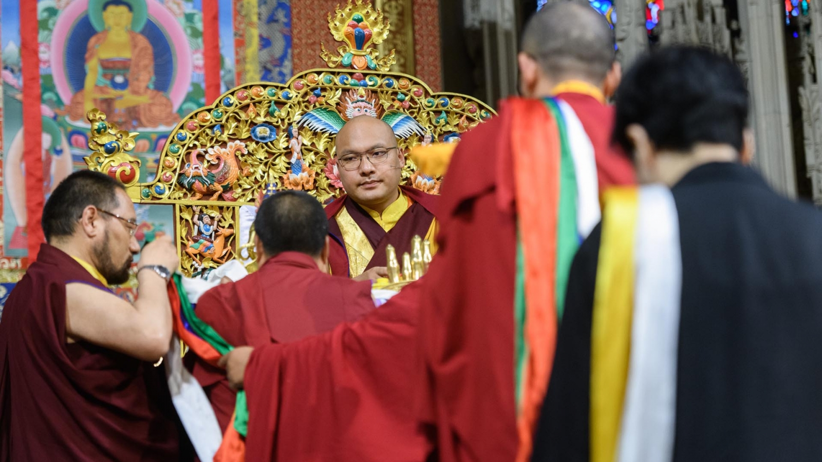 Karmapa receives offerings