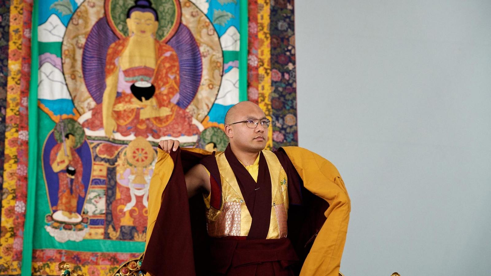 Karmapa and Buddha image