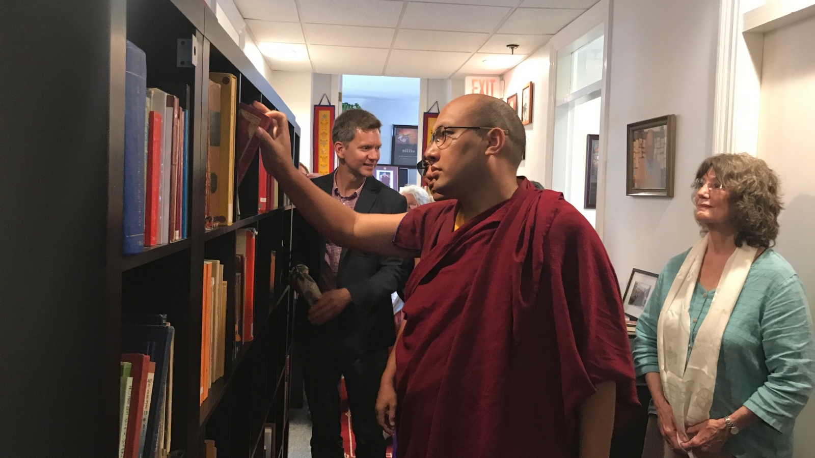 Karmapa Visits the Buddhist Digital Resource Center