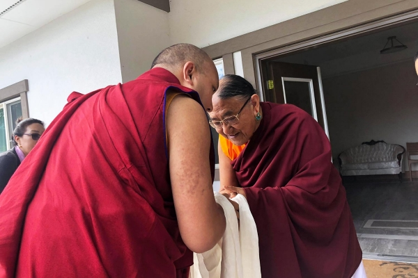 The Gyalwang Karmapa Visited His Holiness Kyabgon Gongma Trichen Rinpoche