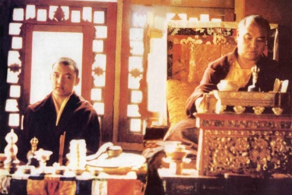ཨོ་རྒྱན་ཕྲིན་ལས་རྡོ་རྗེ་དང་། ཕྲིན་ལས་མཐའ་ཡས་རྡོ་རྗེ་ཟུང་སྦྲེལ་གྱིས་མཛད་པའི་ཀུན་གཟིགས་ཞྭ་དམར་རིན་པོ་ཆེའི་ཡང་སྲིད་ཀྱི་ཞབས་བརྟན།   Joint long life prayer for Kunzig Shamar Rinpoche's reincarnation by Ogyen Trinley Dorje and Trinley Thaye Dorje.